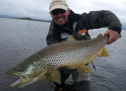 Jonni with 89vm hen from Lake Thingvellir